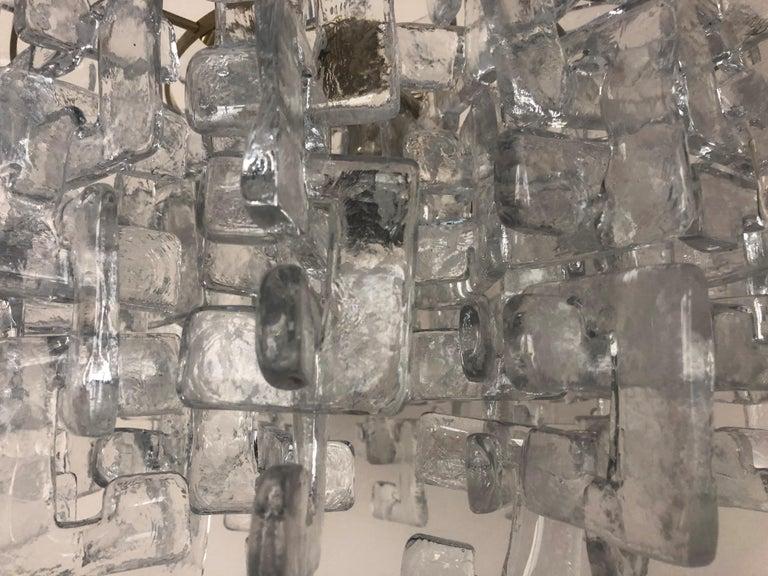 Interlocking Murano Glasses Chandelier by Carlo Nason for Mazzega, 1970s For Sale 4