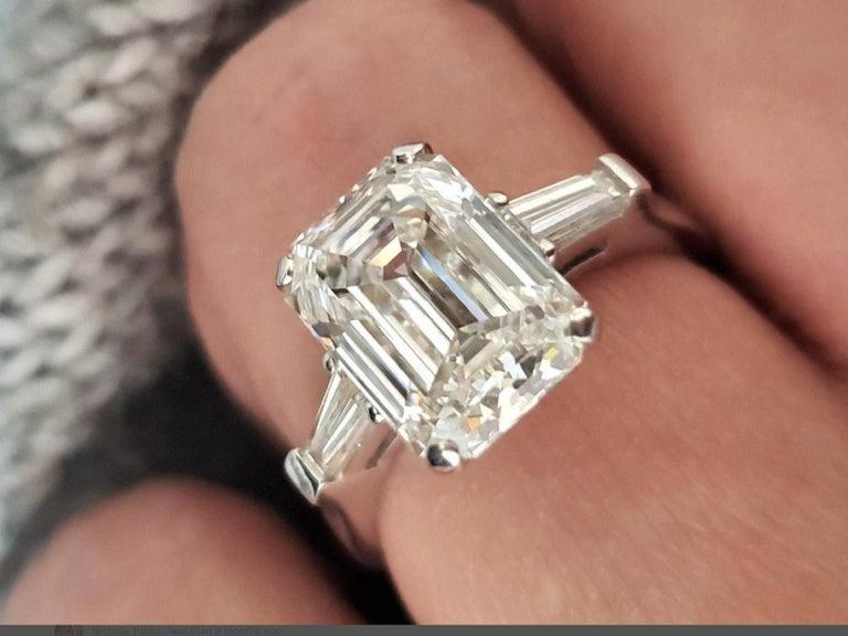 Modern GIA Certified 2.66 Carat Emerald Cut Diamond For Sale