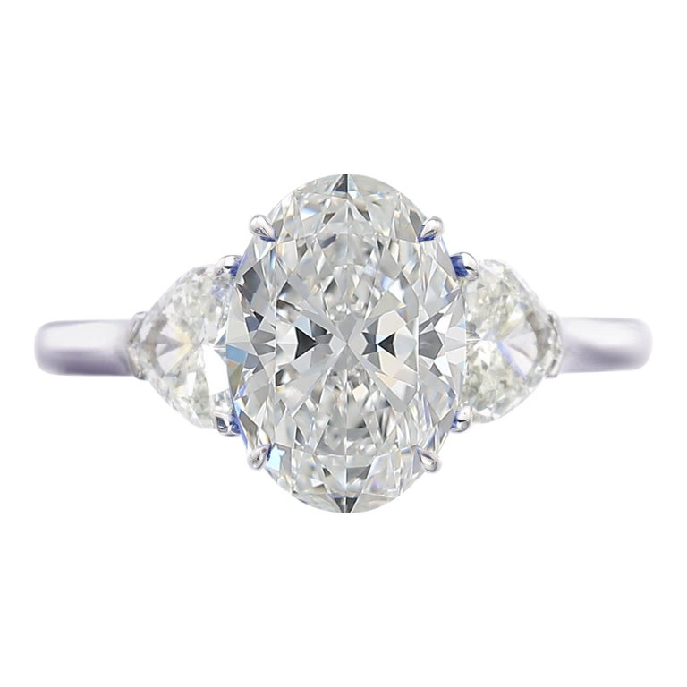 GIA Certified 2.55 Carat Oval Diamond Solitaire Platinum Ring  For Sale
