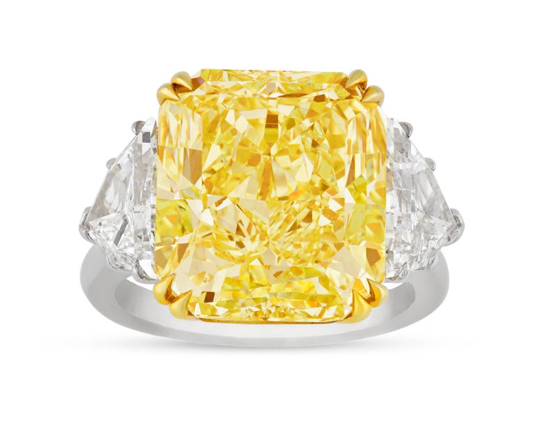 Internally Flawless Fancy Yellow Diamond Ring, 10.67 Carat In New Condition For Sale In New Orleans, LA