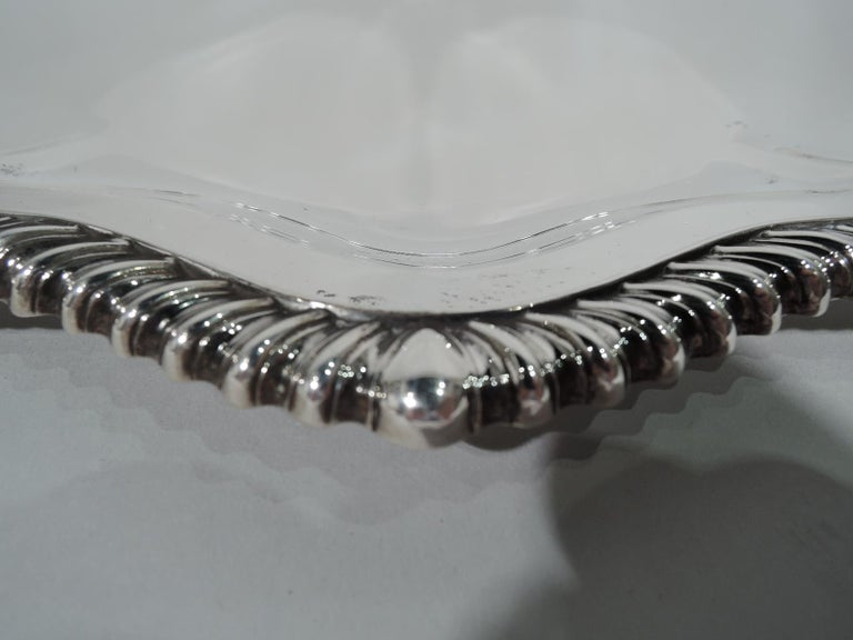 International Lord Robert Sterling Silver Georgian Tray In Excellent Condition For Sale In New York, NY