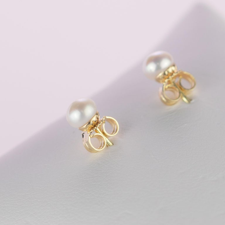 Intini Jewels 18 Karat Yellow Gold Round Freshwater Pearl Deco Artisan Earrings For Sale 5