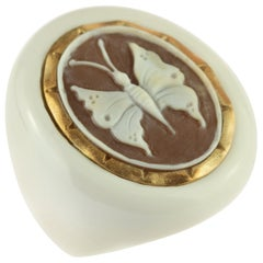 Intini Jewels Butterfly Carved Shell Resin Oval 18 Karat Gold Cocktail Ring
