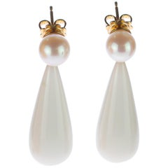 Intini White Agate Freshwater Pearl 18 Karat Yellow Gold Stud Pear Bold Earrings