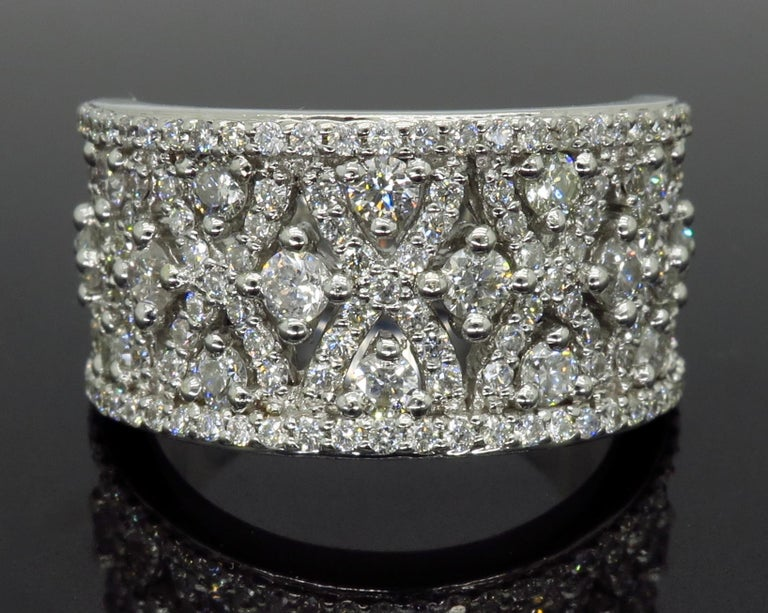 Round Cut Intricate 1.50ctw Diamond Band For Sale