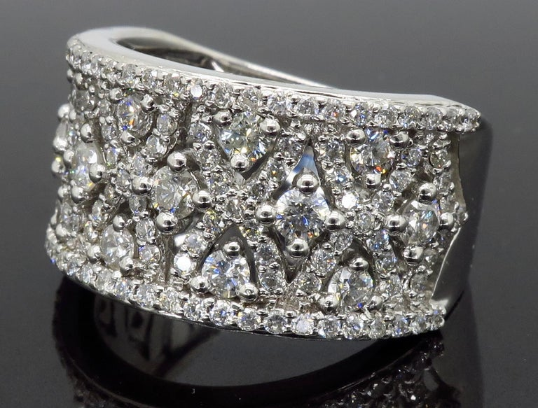 Intricate 1.50ctw Diamond Band In New Condition For Sale In Webster, NY