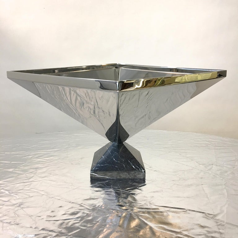 Inverted Pyramid Polished Stainless Centerpiece on Marble Pyramid Base For Sale 5