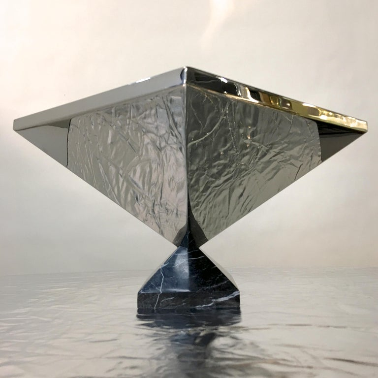 Inverted Pyramid Polished Stainless Centerpiece on Marble Pyramid Base For Sale 9