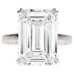 EXCEPTIONAL GIA Certified 4 Carat Emerald Cut Diamond Ring