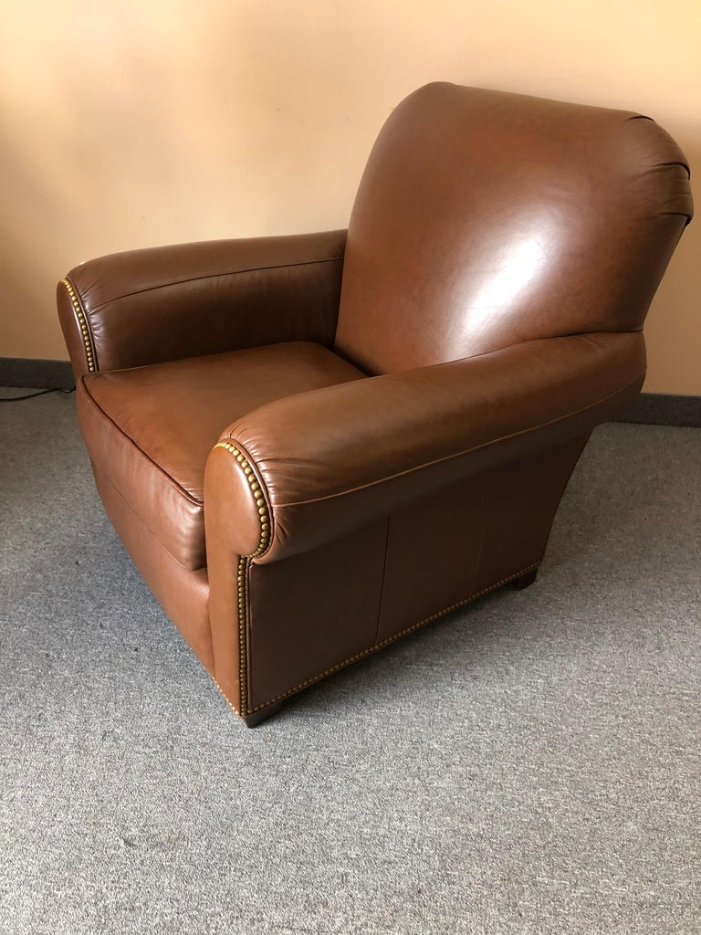 Inviting Supple Brown Leather Classic Hancock & Moore Club Chair In Excellent Condition For Sale In Hopewell, NJ