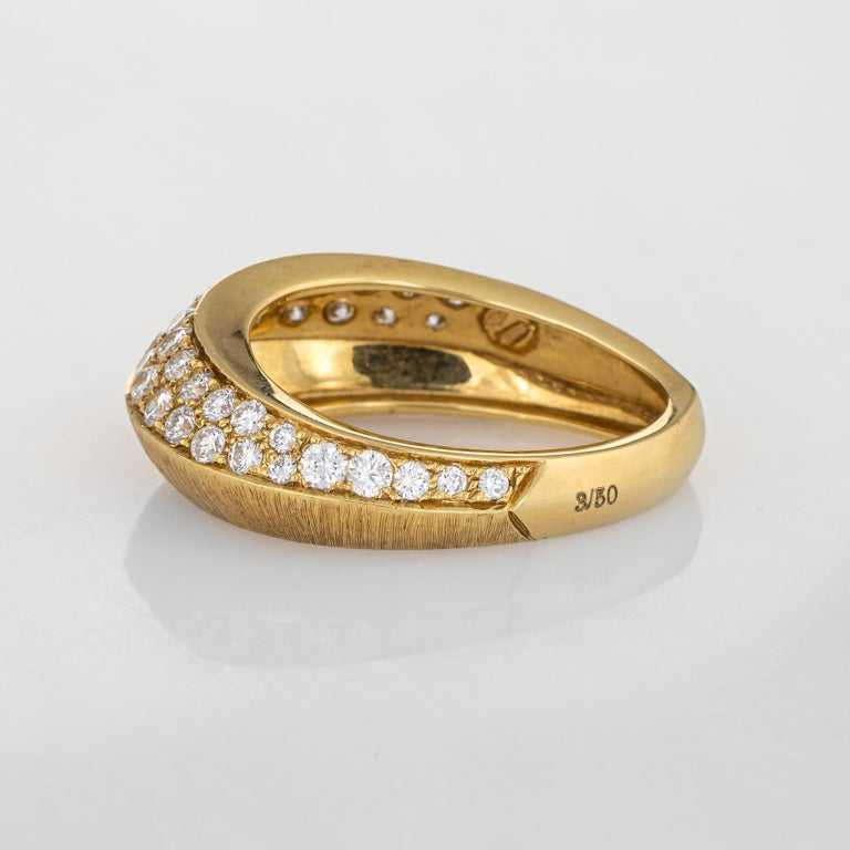Round Cut Io Si Diamond Pointed Band 1.24 Carat Limited Edition 3/50 18 Karat Gold Estate For Sale