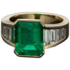 ION Atelier Colombian Emerald Diamonds Gold Fashion Ring