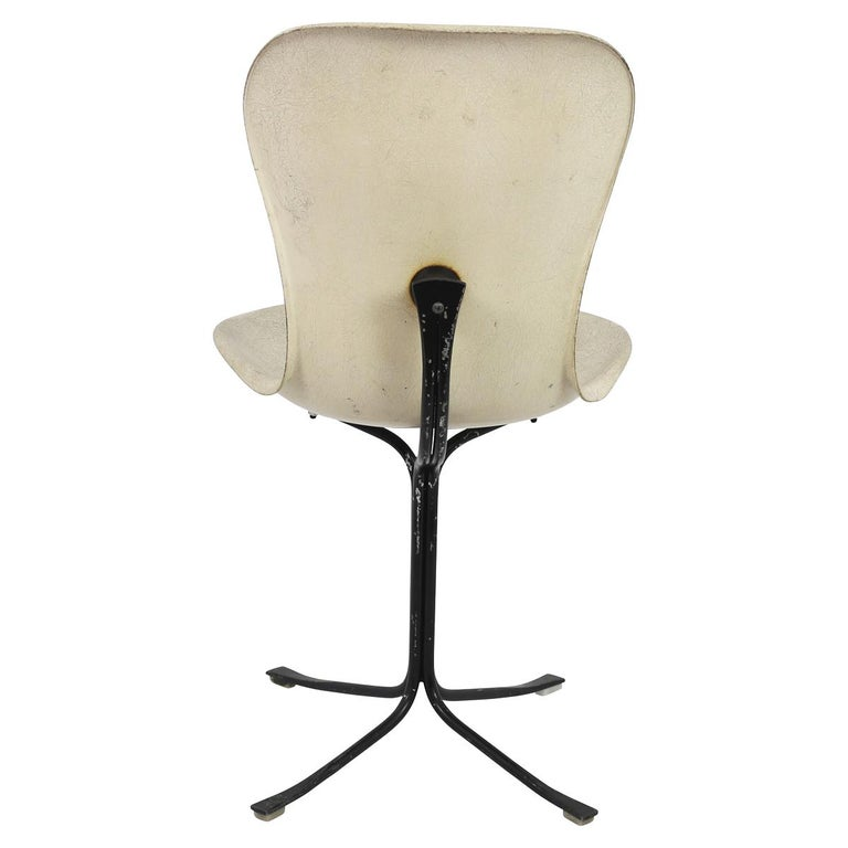 The Ion chair was originally designed for the Seattle Space Needle World's Fair in 1962.