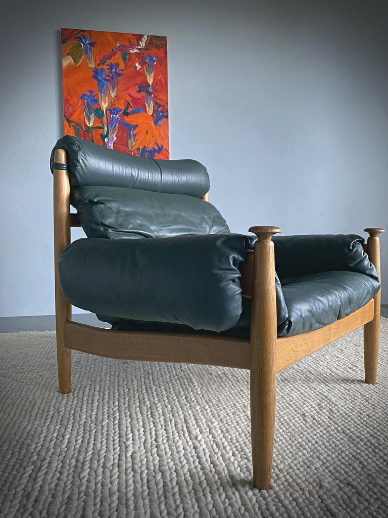 IRE Möbler Eric Merthen Midcentury Green Leather Lounge Chair, 1960s, Sweden In Good Condition For Sale In Vienna, AT