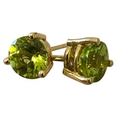 18 Karat Yellow Gold with Peridot in Round Cut Earrings