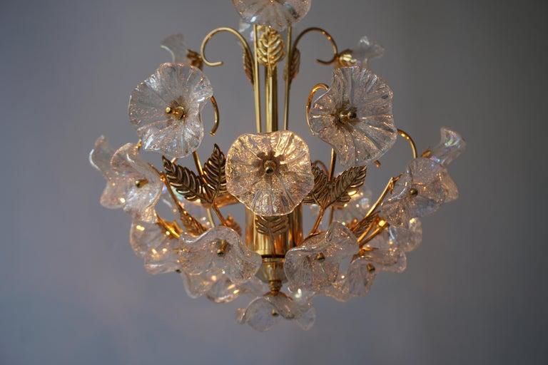 Iridescent Italian Murano Glass and Brass Flower Chandelier For Sale 5