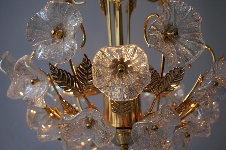 Iridescent Italian Murano Glass and Brass Flower Chandelier For Sale 6