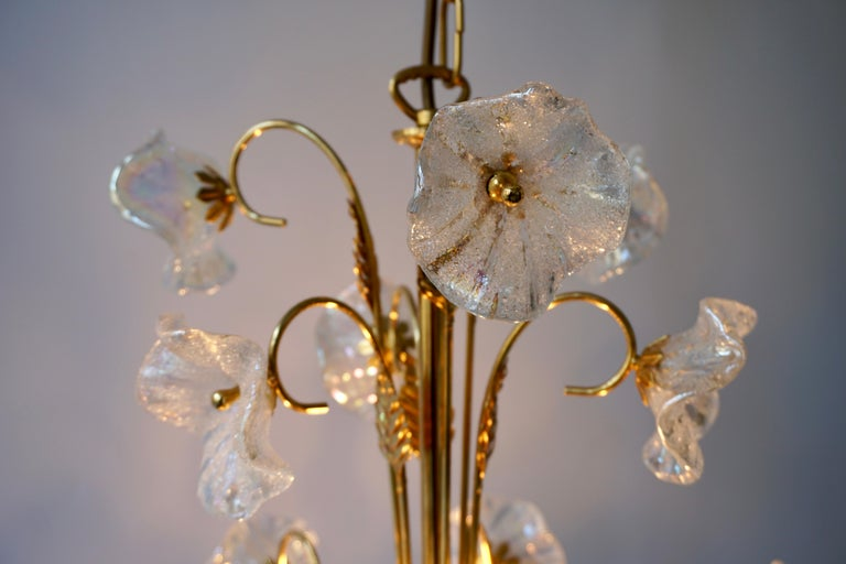 Iridescent Italian Murano Glass and Brass Flower Chandelier For Sale 7