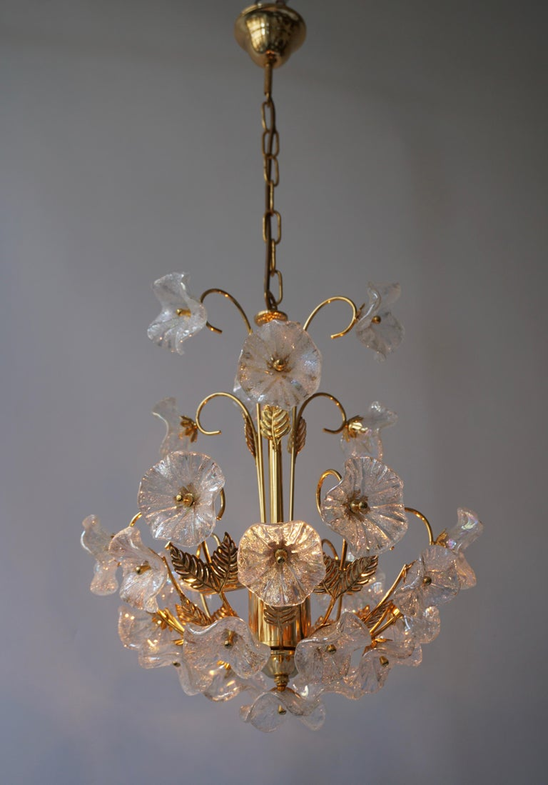 20th Century Iridescent Italian Murano Glass and Brass Flower Chandelier For Sale