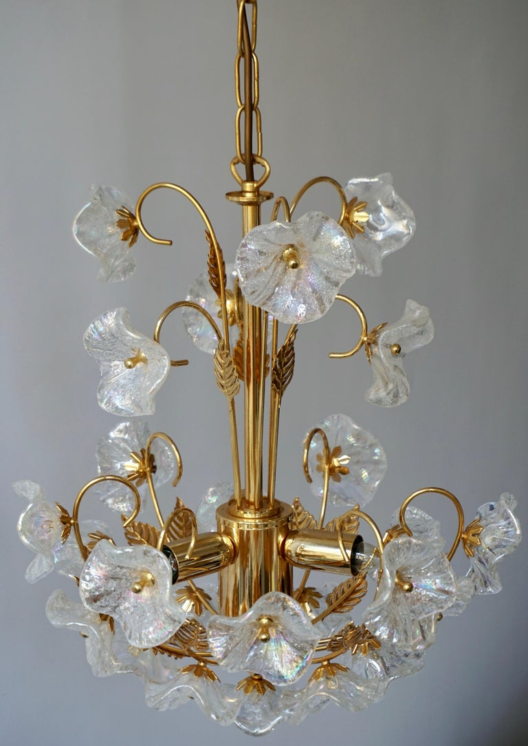 Iridescent Italian Murano Glass and Brass Flower Chandelier For Sale 4