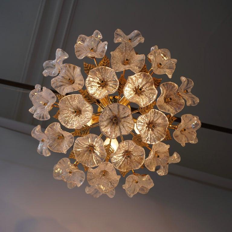Iridescent Murano glass and brass floral ceiling light or wall light. Measures: Diameter 50 cm. Height 30 cm. Five E14 bulbs.