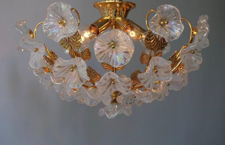 Iridescent Murano Glass and Brass Flower Flush Mount In Good Condition For Sale In Antwerp, BE