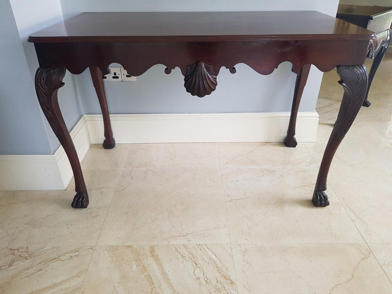 Irish 19th Century Finely Carved Mahogany Side Table Attributed to James Hicks In Good Condition For Sale In Dromod, Co. Leitrim