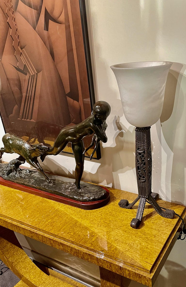 French Iron and Alabaster Art Deco Table Lamps Pair For Sale