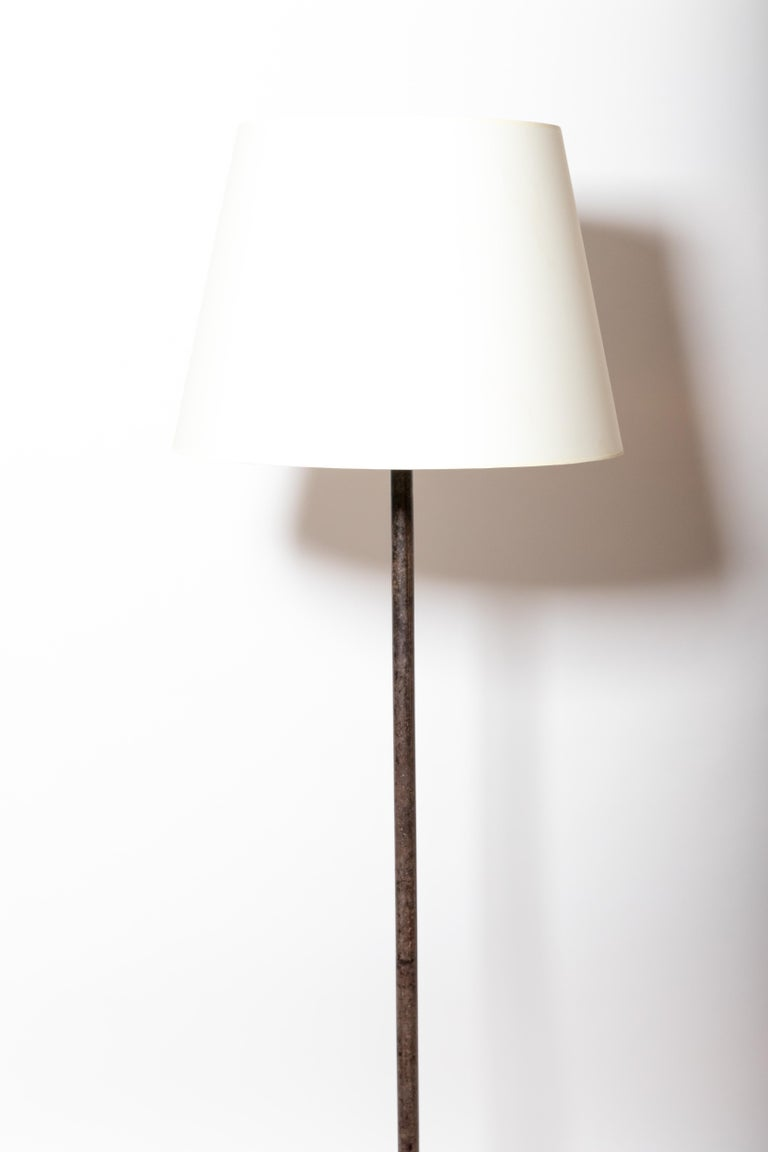 Vintage Iron Floor Lamp In Good Condition For Sale In East Hampton, NY