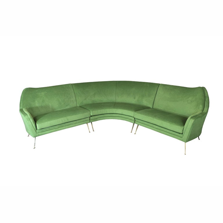 Gorgeous corner sofa that can be divided into three parts, ISA Bergamo production from the 1950s.  The ISA plant was a constructive reference point for most of the Italian designers of the time who produced various supplies, one above all Gio