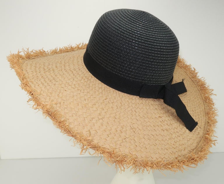 Isaac Mizrahi Wide Brimmed Straw Beach Hat In Good Condition For Sale In Atlanta, GA