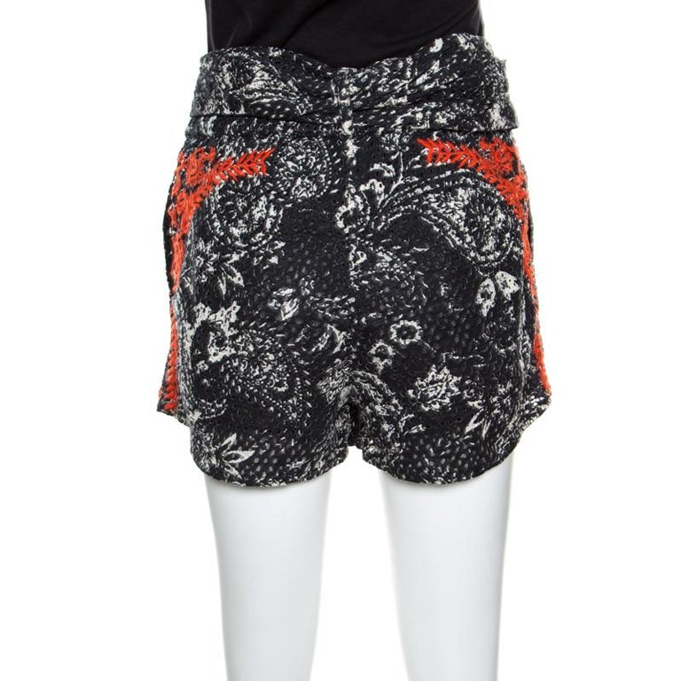 Isabel Marant Black and Red Eyelet Embroidered Cotton Nash Shorts M In Excellent Condition For Sale In Dubai, AE