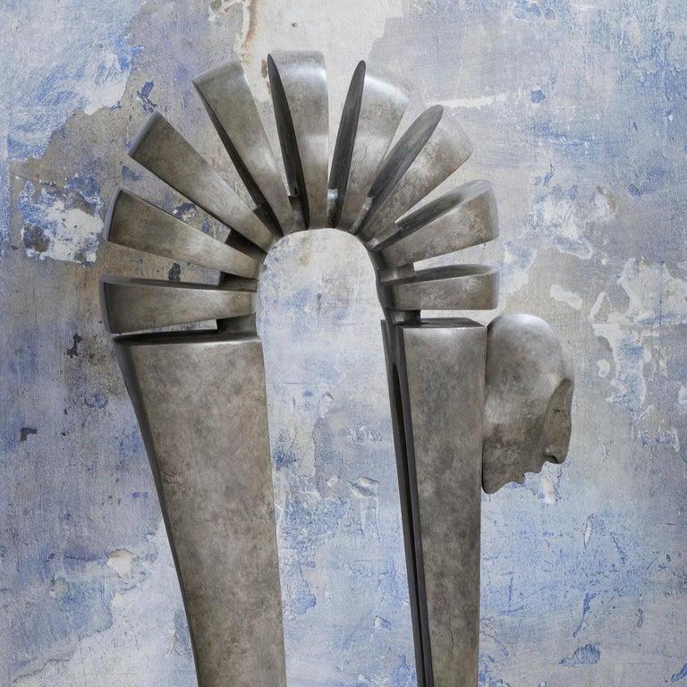 Bout du Monde - Debout - Sculpture by Isabel Miramontes