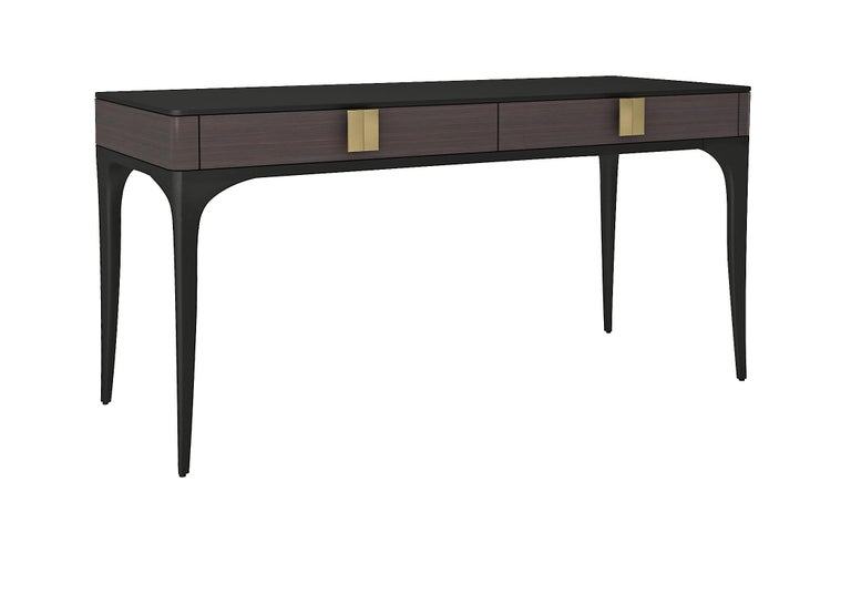 Designed by IC and immaculately crafted by expert Italian artisans, the Dalia desk features two drawers and stylish curved legs. A piece that will enrich any decor with sophisticated elegance. Accessories and details: 2 velvet, or faux leather-