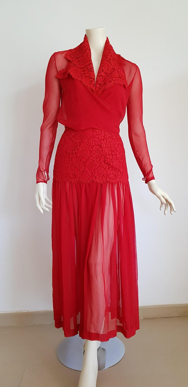 Isabelle ALLARD Paris, couture, chiffon silk crêpe blouse, slightly transparent skirt, cest and waistband cotton lace, red silk dress - Unworn, New.  Isabelle ALLARD is a Paris brand that created only haute couture and selling to international