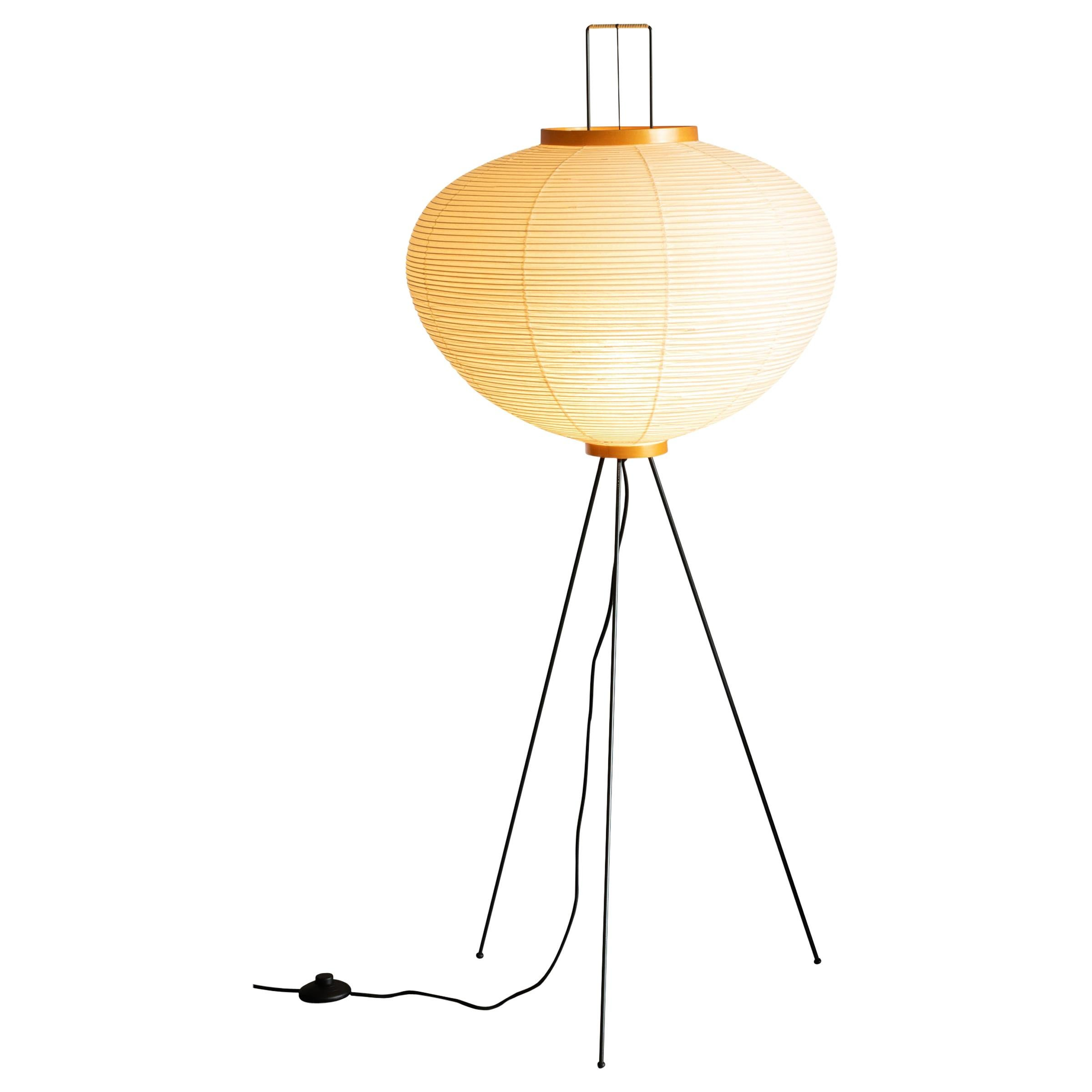 Isamu Noguchi Akari 10A floor lamp in Washi Paper and Bamboo by Ozeki