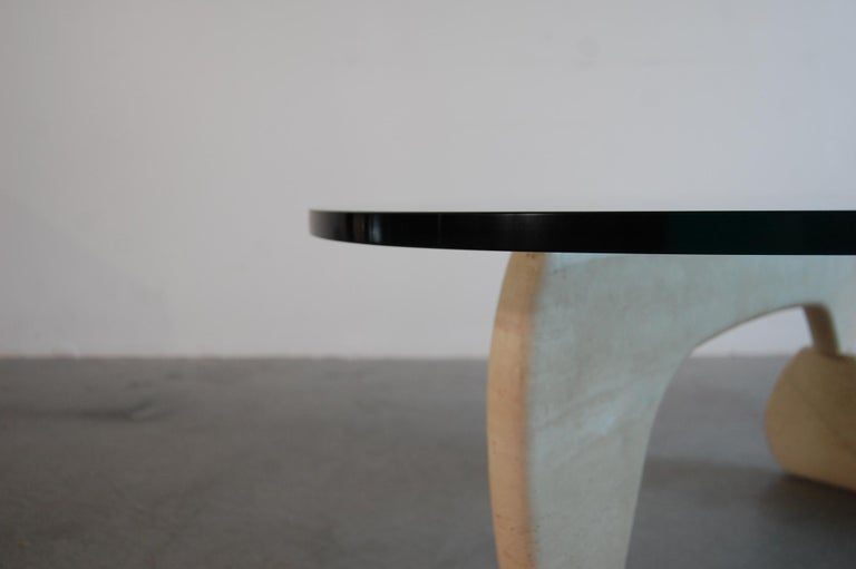 Isamu Noguchi IN-50 Coffee Table In Good Condition In Providence, RI