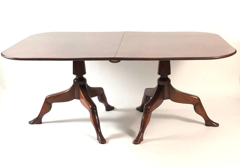 British Isle of Man Mahogany Dining Table with Brogue Shoe Feet, circa 1880 For Sale