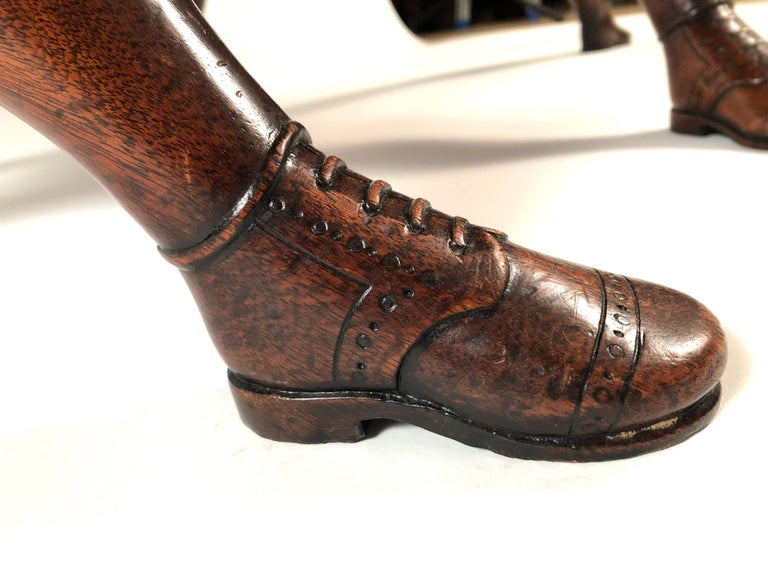 Isle of Man Mahogany Dining Table with Brogue Shoe Feet, circa 1880 For Sale 1