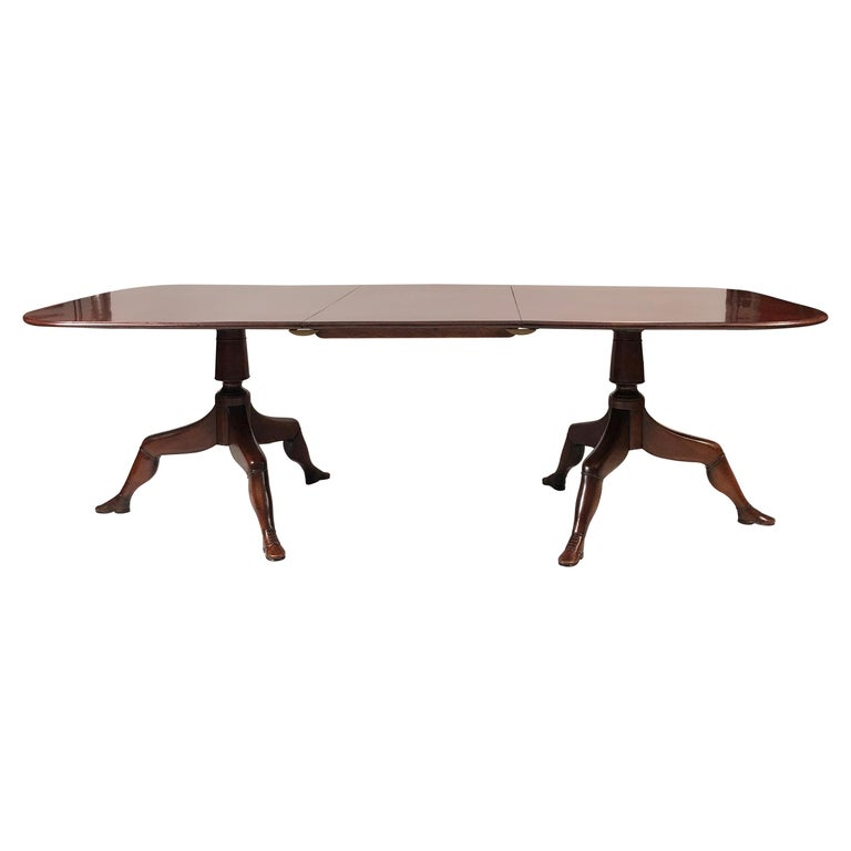 Isle of Man Mahogany Dining Table with Brogue Shoe Feet, circa 1880 For Sale
