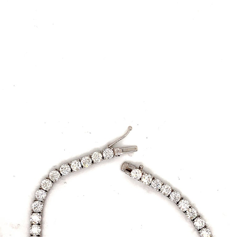 GIA Certified Graduated Riviera Diamond Necklace In New Condition For Sale In New York, NY