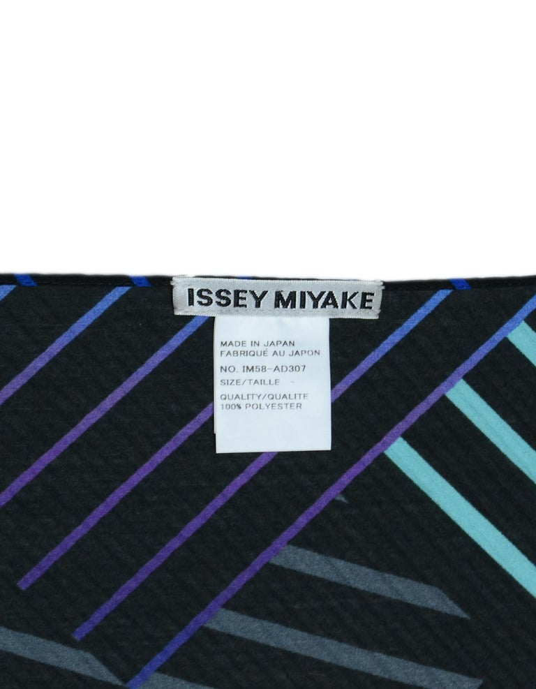 Issey Miyake Blue/Black Pleated Patterned Scarf W/ Button For Sale 1