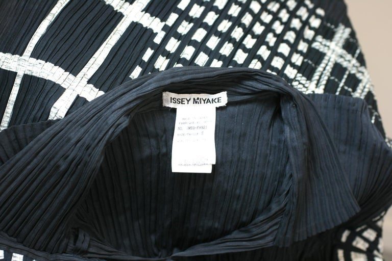 Issey Miyake Graphic Black White Pleated Dress For Sale 2