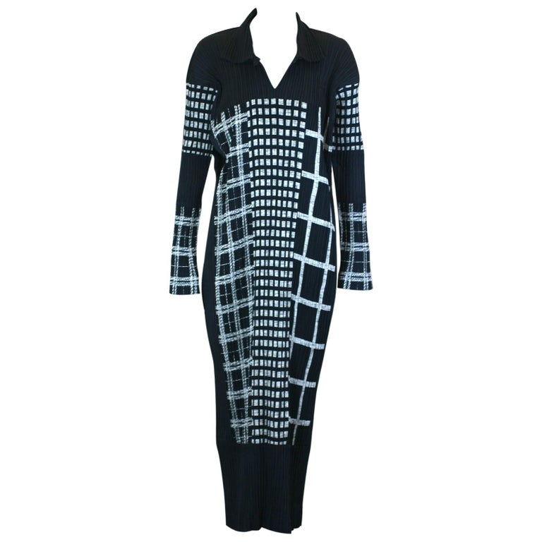 Issey Miyake Graphic Black White Pleated Dress For Sale