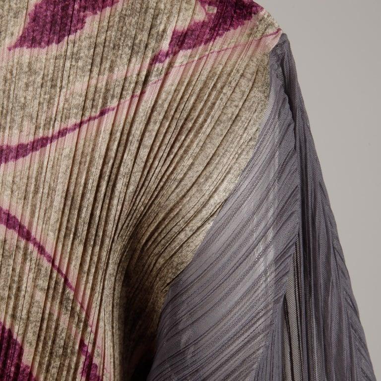 Women's Issey Miyake Pleats Please Pleated Purple Gray Op Art Mirror Print Top or Shirt For Sale
