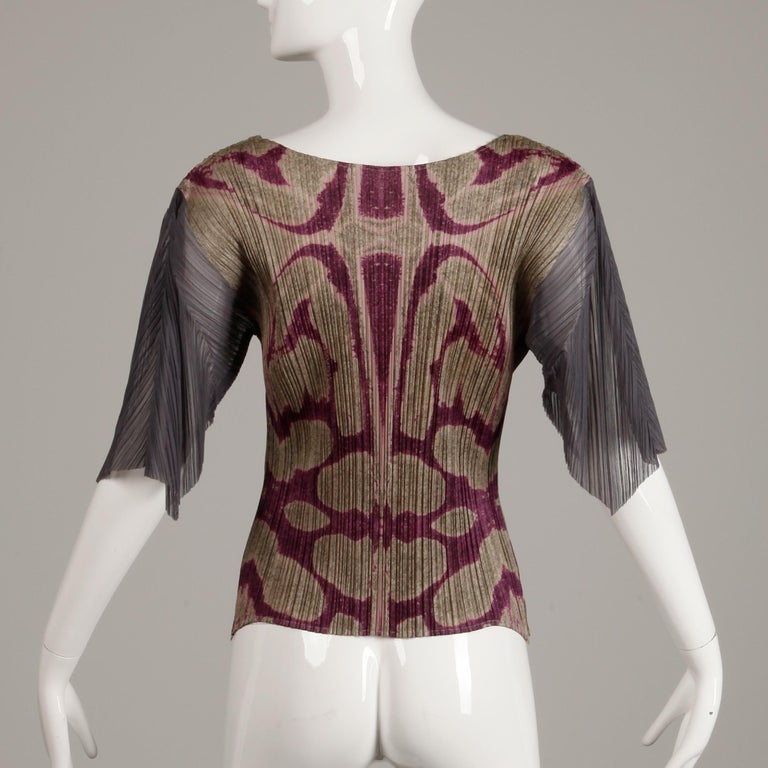 Issey Miyake Pleats Please Pleated Purple Gray Op Art Mirror Print Top or Shirt For Sale 1
