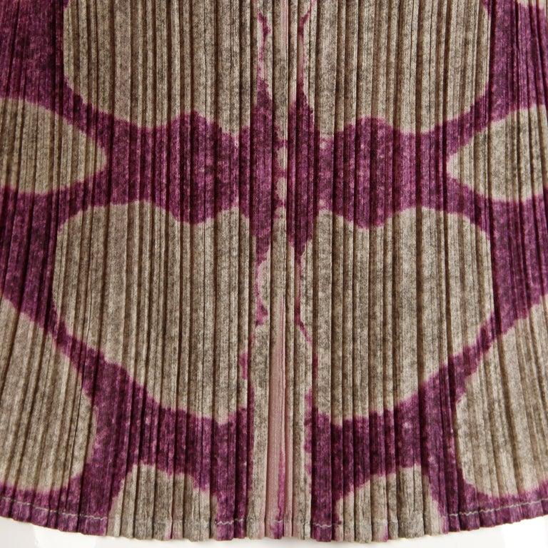 Issey Miyake Pleats Please Pleated Purple Gray Op Art Mirror Print Top or Shirt For Sale 2