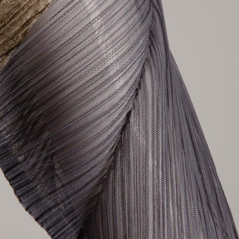 Issey Miyake Pleats Please Pleated Purple Gray Op Art Mirror Print Top or Shirt For Sale 4
