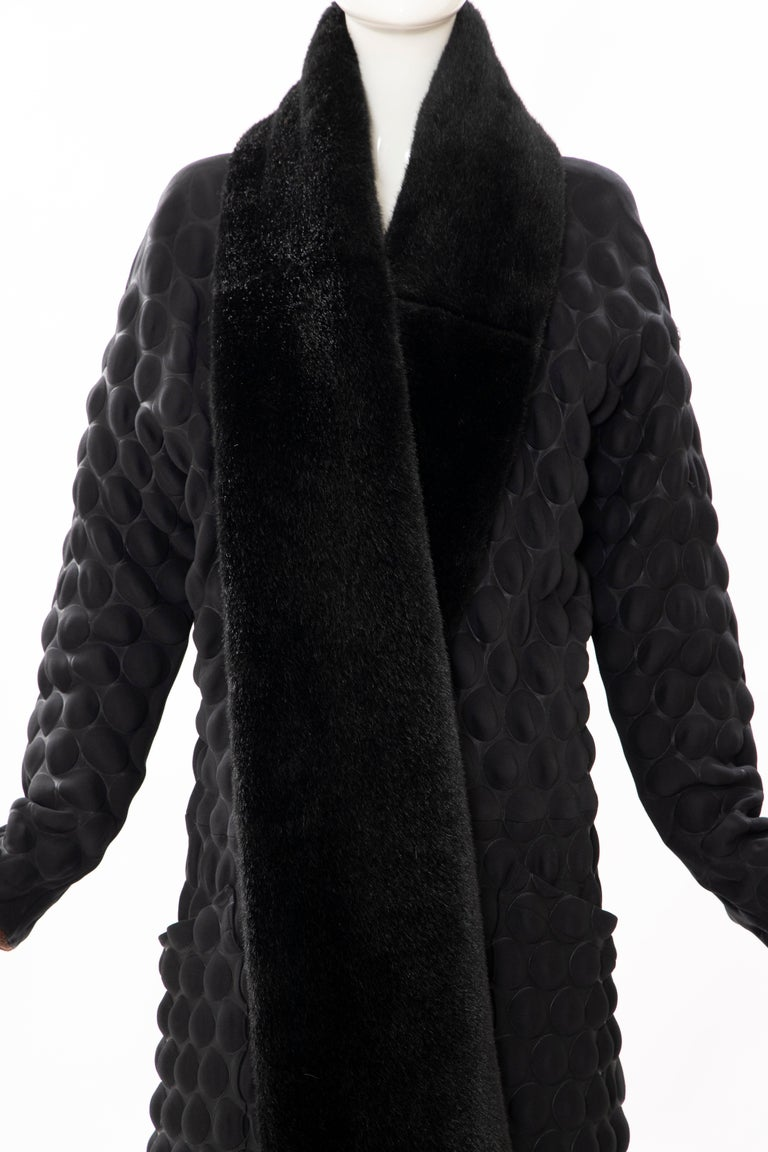 Issey Miyake Runway Black Egg Carton Coat Detachable Faux Fur Collar, Fall 2000 In Excellent Condition For Sale In Cincinnati, OH