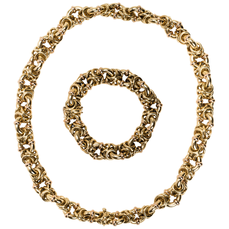 Italian 18 Karat Gold Intertwined Link Necklace with Detachable Bracelet